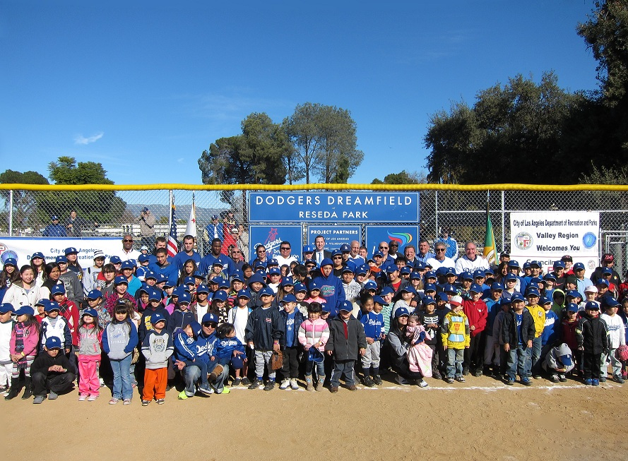 Representatives from the Dodgers and the City of Los Angeles join a group of about 100 kids at Staurday's Dodgers Dreamfield dedication at Reseda Park (click to enlarge).(Photo credit - Ron Cervenka)