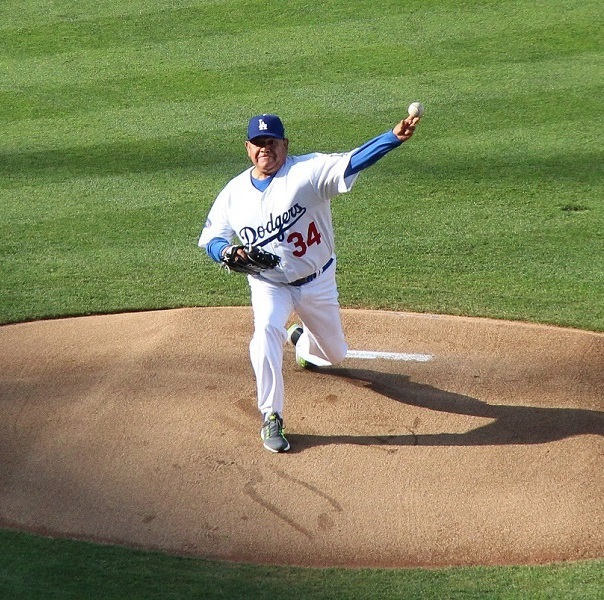 Watching Fernando Valenzuela pitch in the Old-Timers' Game was surreal.